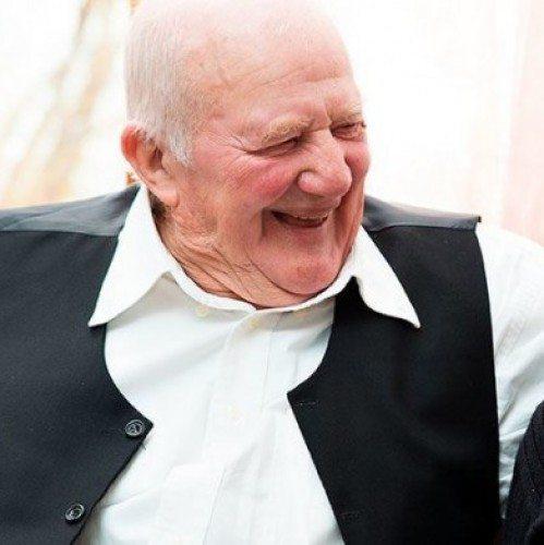 5 Tips for Seniors to Build New Friendships | Guidance Corner | Bridge to Better Living