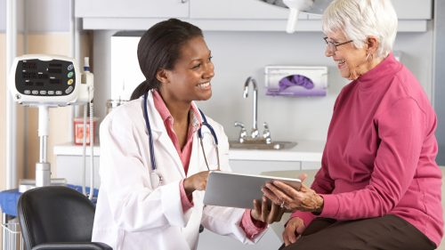 health checkups between doctor and senior